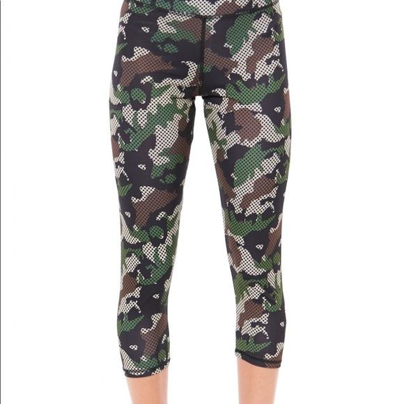 76ae66b4a78180 S2 Sportswear Pants | Nwt Camo Dot Capri Workout | Poshmark